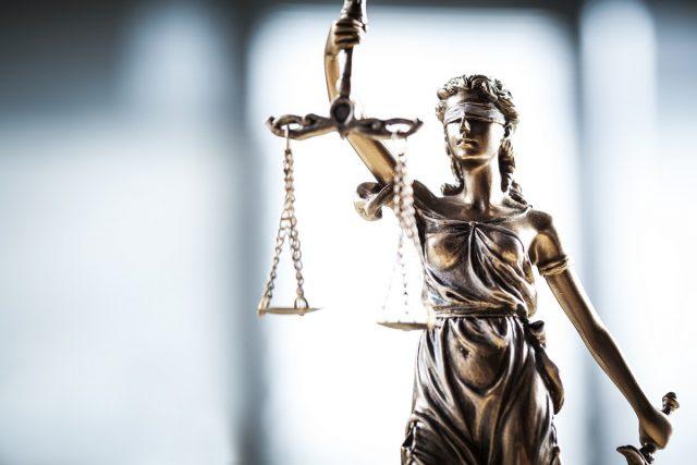 Rechtsanwalt - COVID-19 Gesetz - Justizpaket - Steuerrecht
