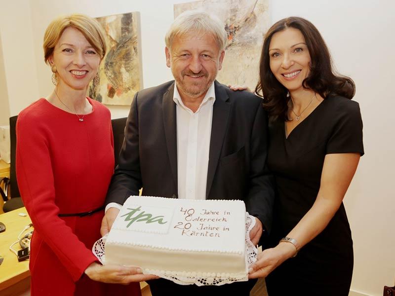 Geburtstagstorte: 20 Jahre TPA Steuerberatung in Klagenfurt & 40 Jahre TPA in Österreich